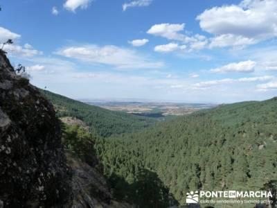 El Pico del Nevero y la Cascada del Chorro - sendero Madrid y excursiones; sierra de irati